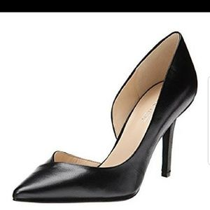 Nine West black d'orsay pointy toe pumps